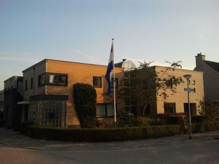 Avondzon op de verloskundige huisartspraktijk van dokter Burggraaff in Weesp